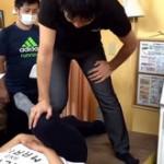 股関節のストレッチ施術法